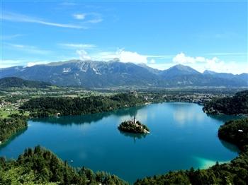 Lakes & Mountain Harmony